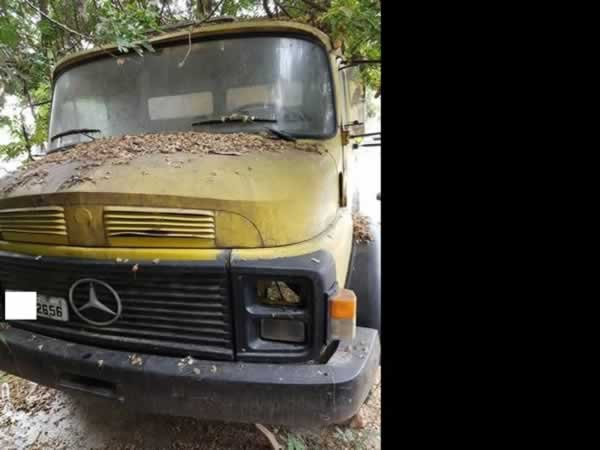 ITEM Nº: 02; Car/Caminhão basculante; M.B/M.Benz L 1113, ANO: 1985/1985, PLACA: 2656, CHA