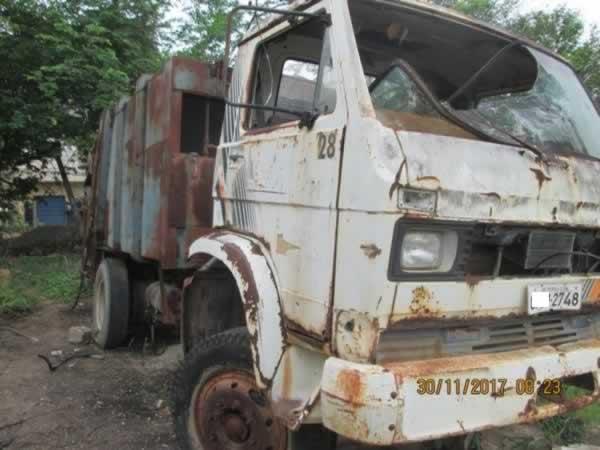 ITEM Nº: 03; Caminhão Cac lixo; VW/11.140, ANO: 1990/1990, PLACA: 2748, CHASSI: 164, COR: