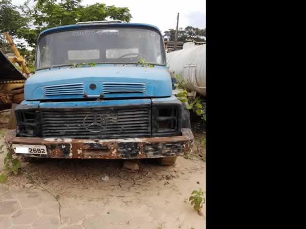 ITEM Nº: 24; Caminhão C. Aberta; M. B. M.Benz L1113, ANO: 1985/1985, PLACA: 2682, CHASSI: