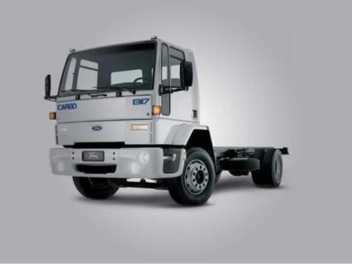 Oliveira - Veículo Cargo 1317 Ford, ANO: 2006/2006,  COR: Branca, PLACA 4472, CHASSI 055 V...