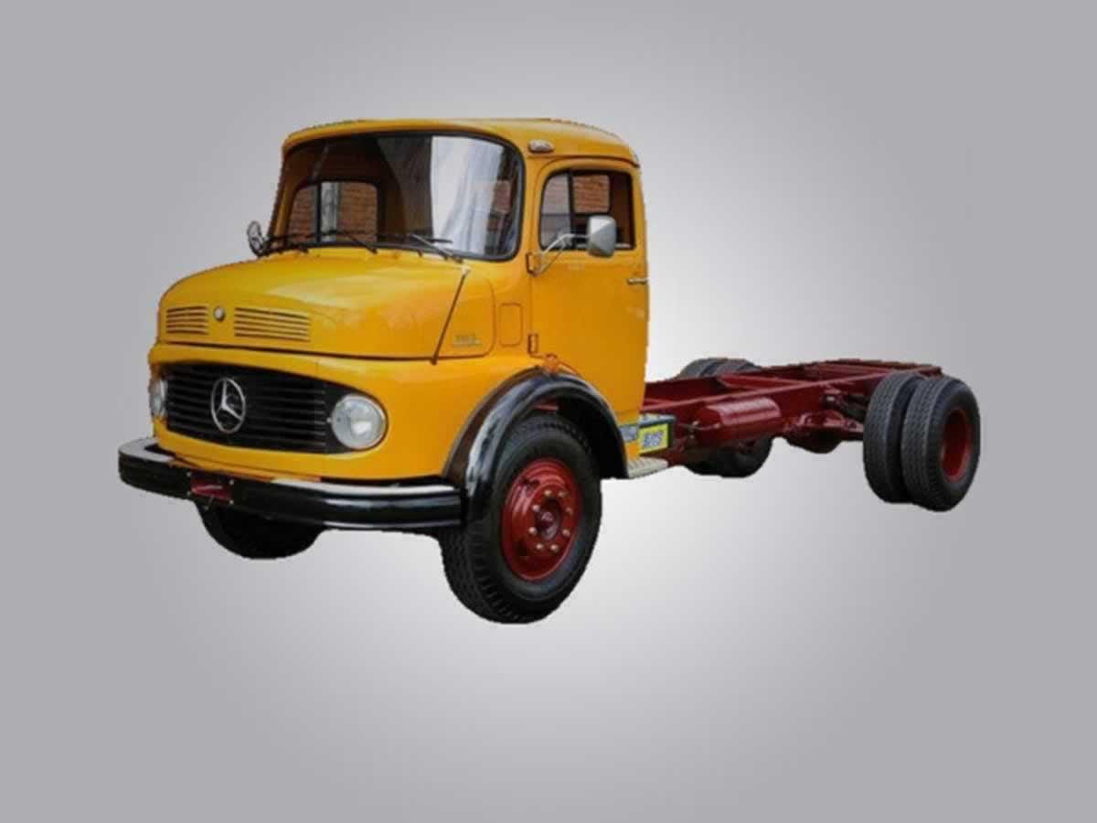 Divinópolis - Caminhão L1313 Mercedes Benz, ANO: 1981/1981, COR: Vermelha, PLACA 5181, CHA
