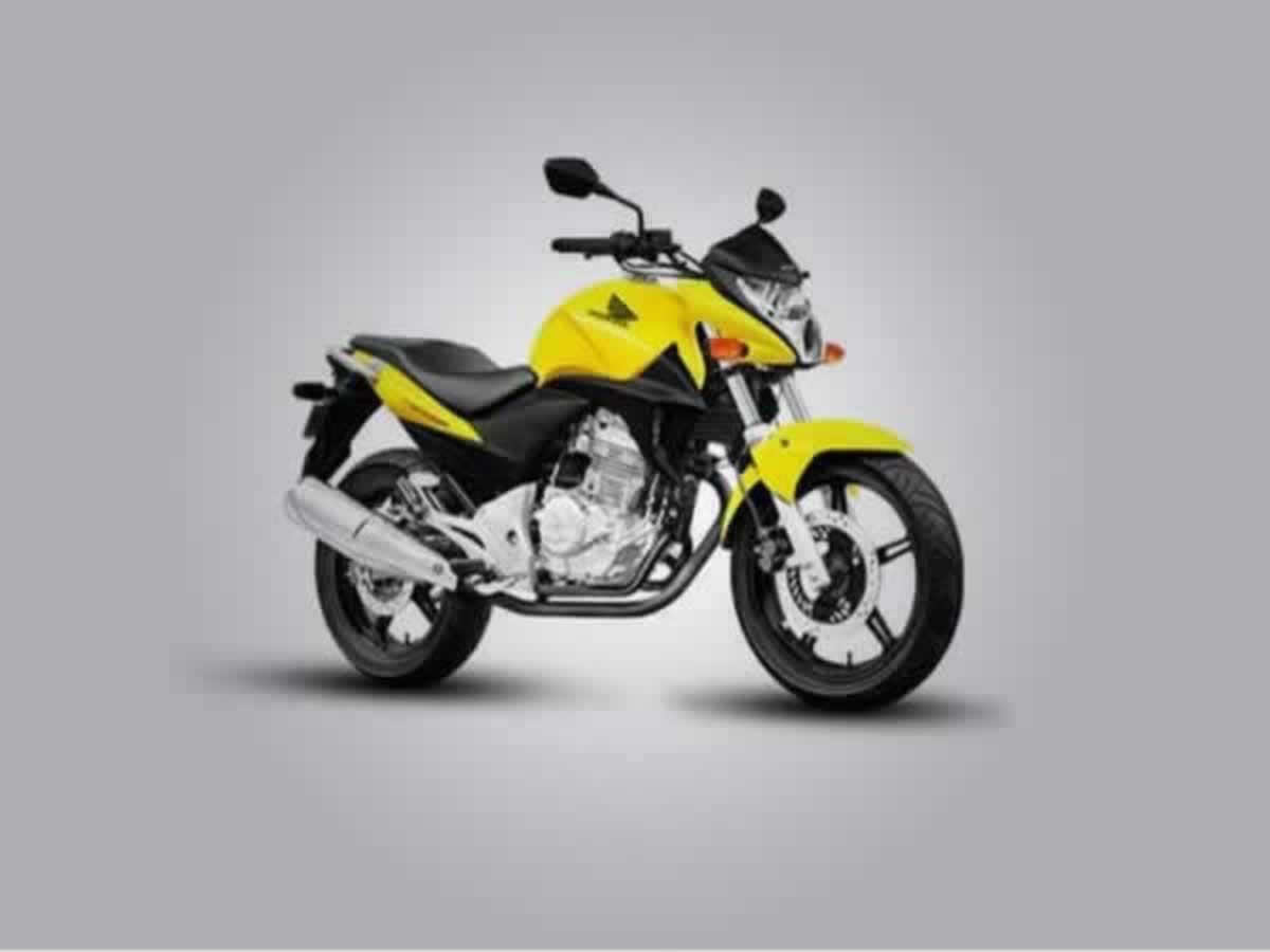 Abaeté - Motocicleta CB 300R Honda, ANO: 2011/2011,  COR: Vermelha, PLACA 2796, CHASSI 144...
