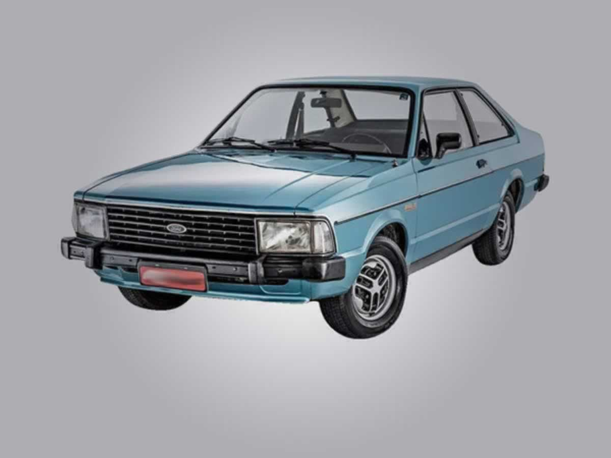 Curvelo - Automóvel Corcel II Hobby Ford, ANO: 1980, COR: Bege, PLACA 2726, CHASSI 313 Val...
