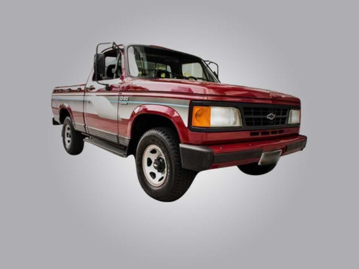 Divinópolis - Veículo D20 Custon de Luxe GM, ANO: 1993/1993, COR: Azul, PLACA 1919, CHASSI