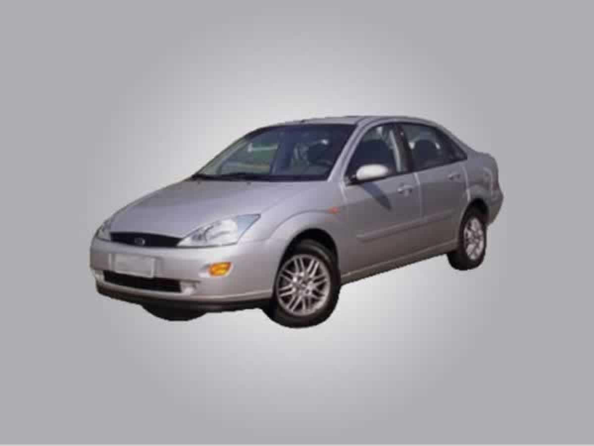 Timóteo - Focus Sedan 2.0, automático GHIA Ford, ANO: 2003/2004,  COR: Prata, PLACA 8290,