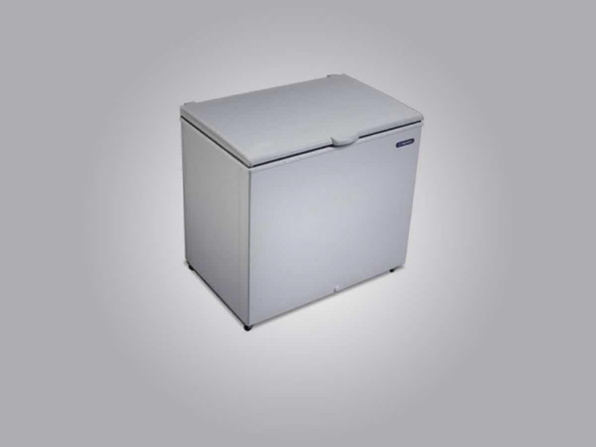Januária - Congelador 300 litros Metalfrio Cor branca.  ==> IMPORTANTE: O primeiro leilão ...