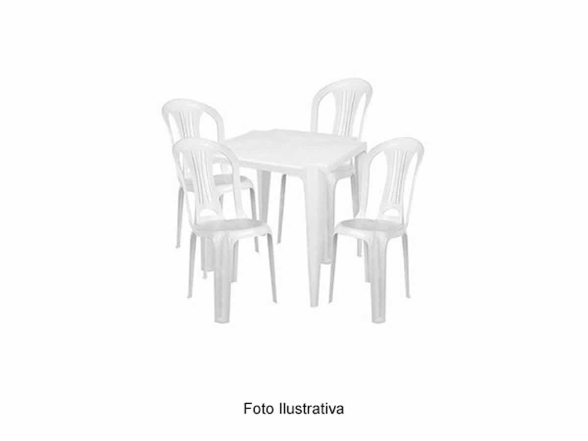 São Romão - Quant.: 4 - Jogos de mesa De plástico resistente, com 4 cadeiras cada, cor ama