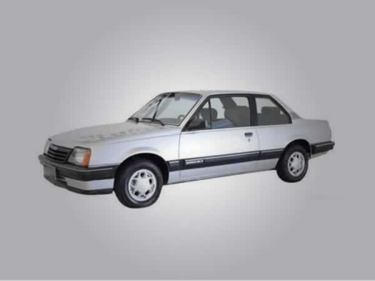 Pará de Minas - Monza SL/E Alcool GM, ANO: 1988,  COR: Azul, PLACA 8775, CHASSI 095 Valor ...