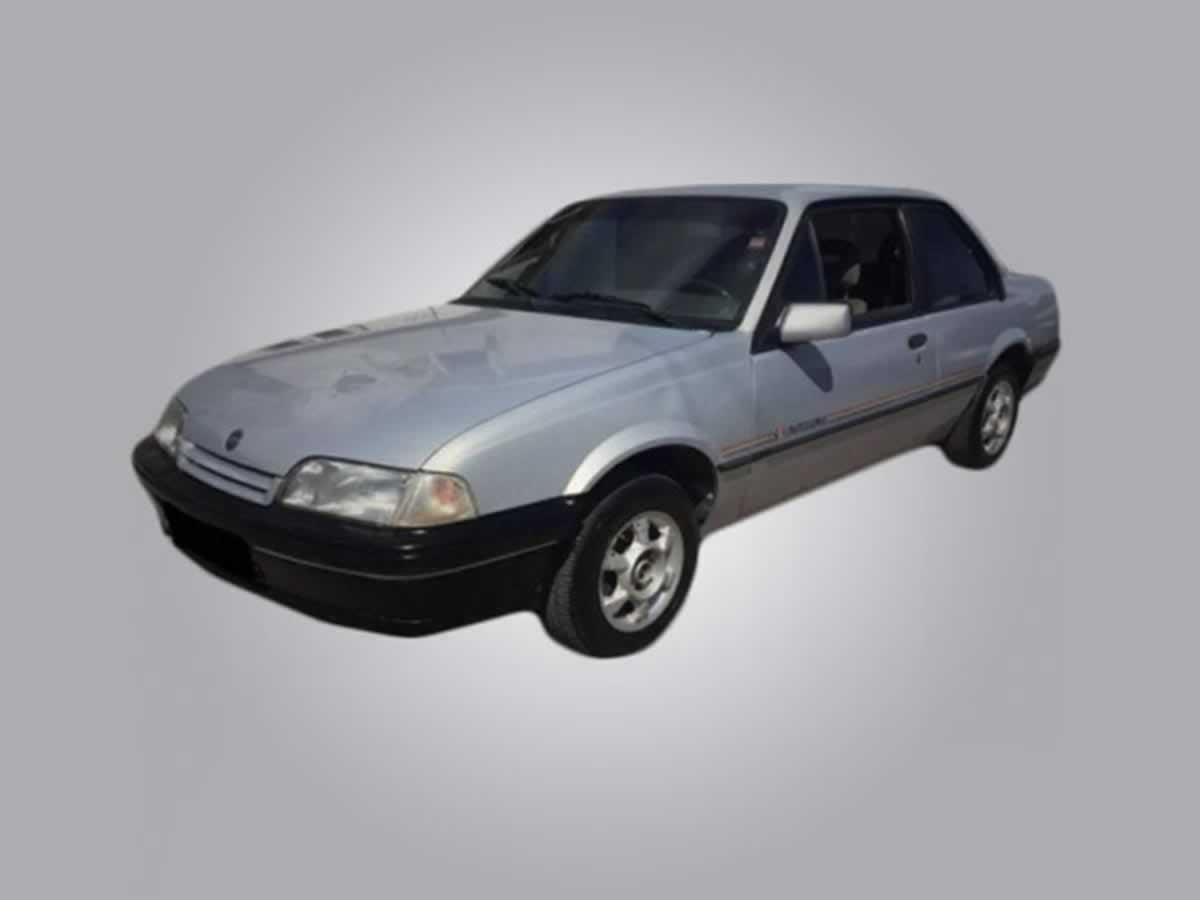 Oliveira - Veículo Monza Classic 2.0 GM, ANO: 1994/1994,  COR: Cinza, PLACA 2526, CHASSI 7...