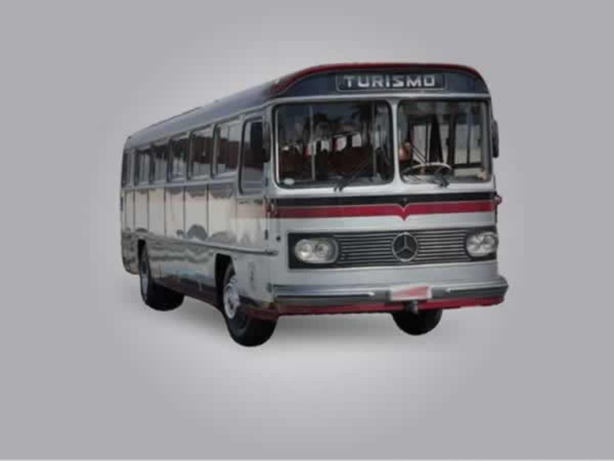 Piumhi - Ônibus 362 Mercedes Benz, ANO: 1973, COR: Azul, PLACA 7634, CHASSI 607 Valor de m