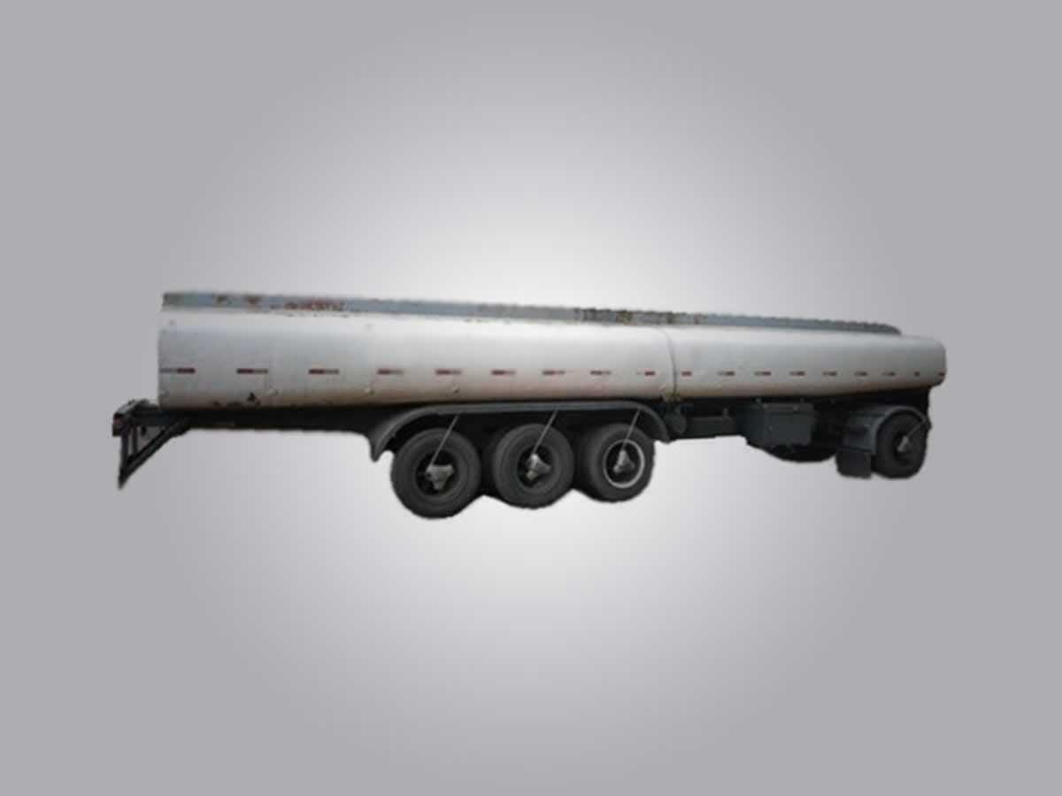 Araxá - Reboque Tanque SR2E17TI CL Noma, ANO: 2001,  COR: , PLACA 9438, CHASSI 066 Valor d...