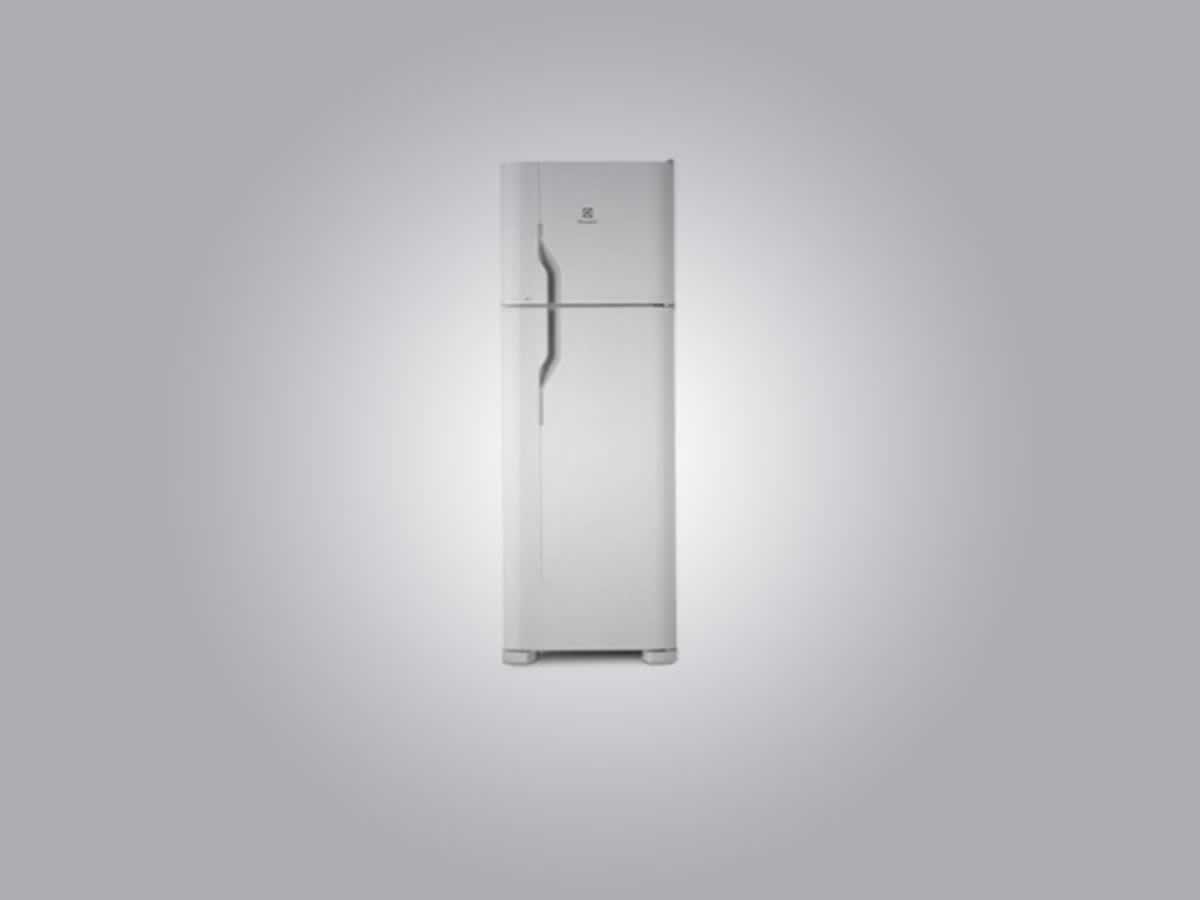 Pará de Minas - Refrigerador DC 44 Eletrolux Cor branca.  ==> IMPORTANTE: O primeiro leilã...
