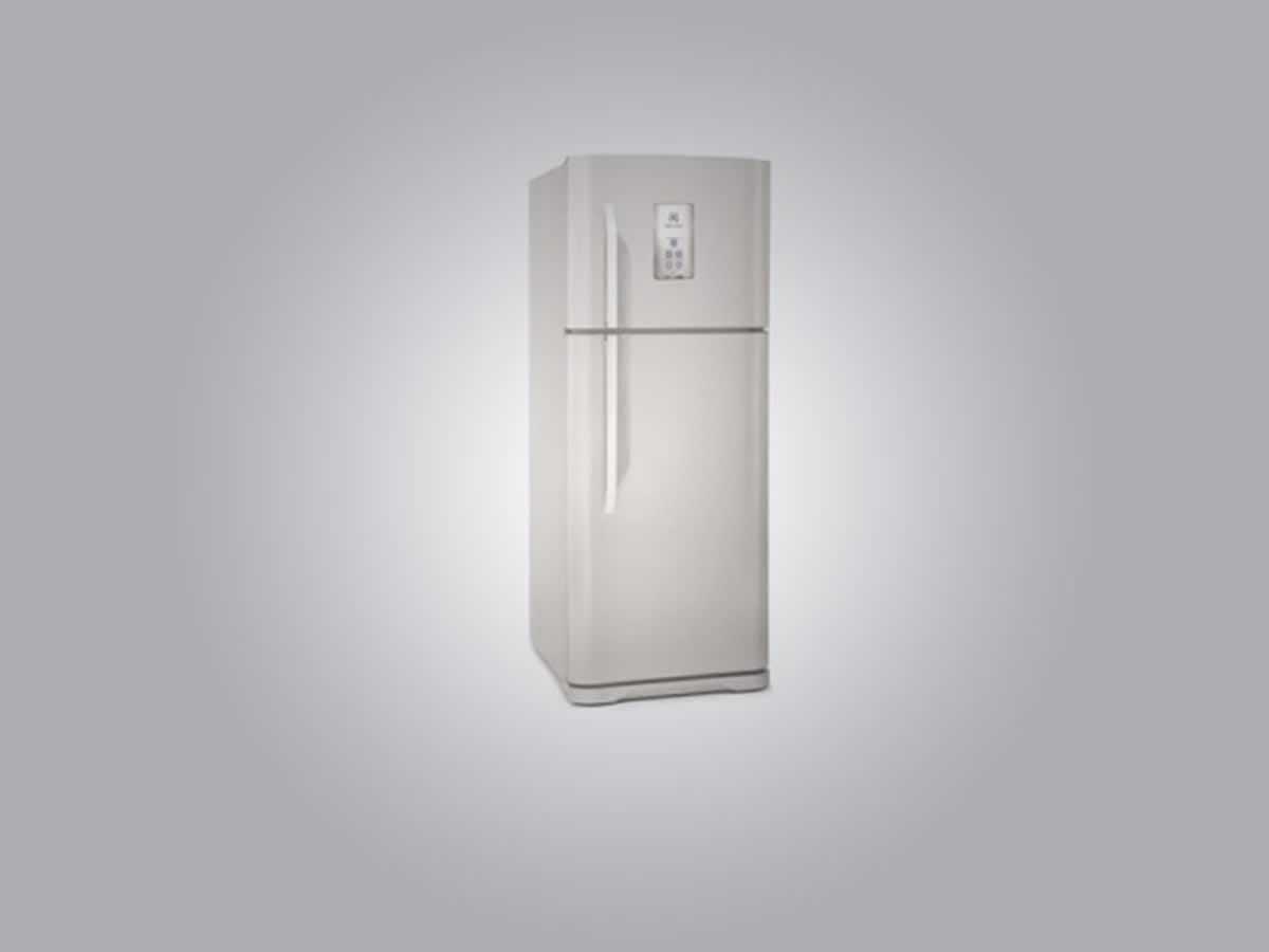 Pará de Minas - Refrigerador TF 51 Eletrolux Cor branca, duas portas, 433 litros.  ==> IMP...