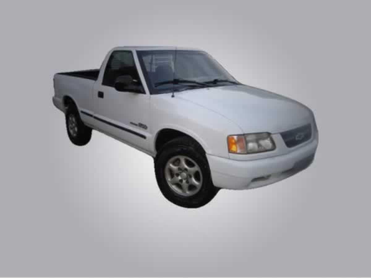 Barbacena - Veículo S10 Chevrolet, ANO: 1996/1997, COR: Prata, PLACA 9690, CHASSI 402 Valo