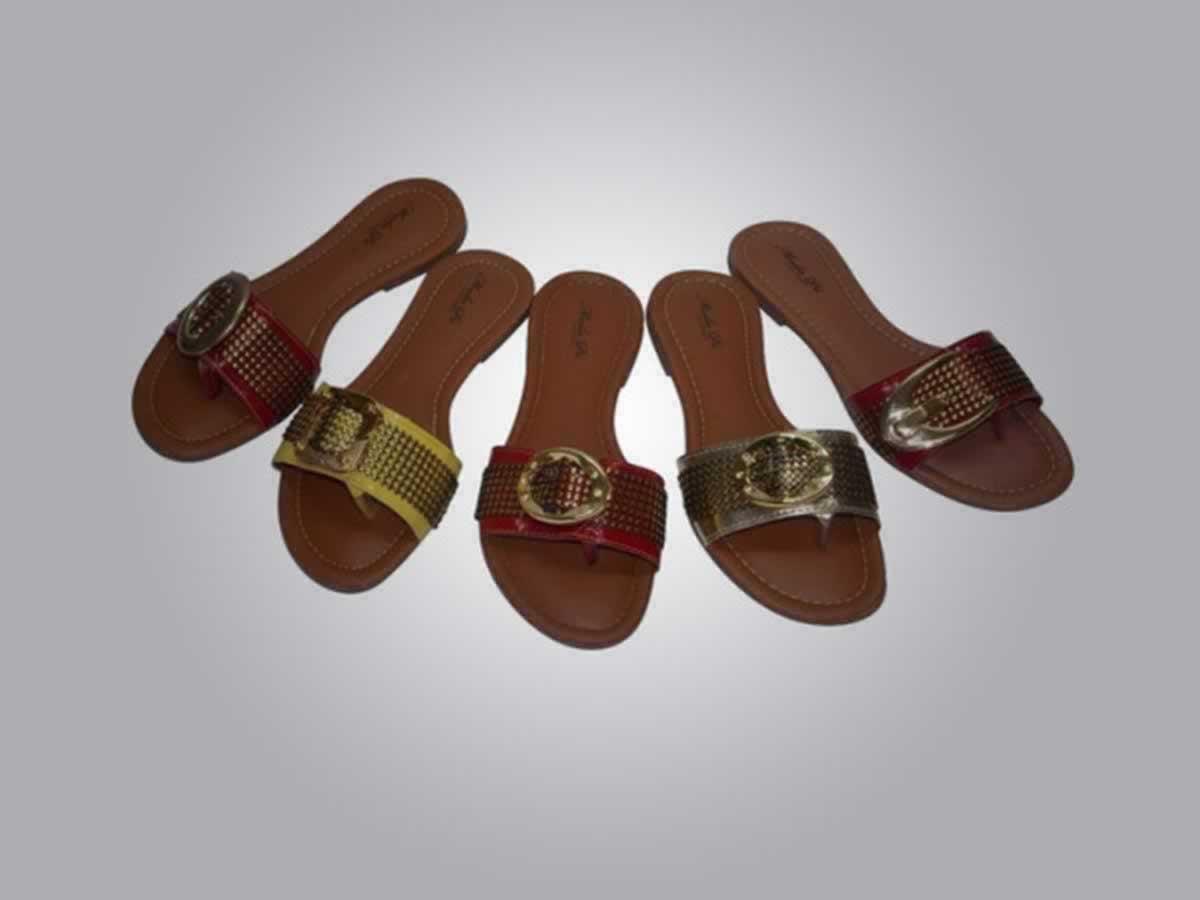 Nova Serrana - Quant.: 510 - Pares de sandálias rasteirinha  Cores e numerações diversas,
