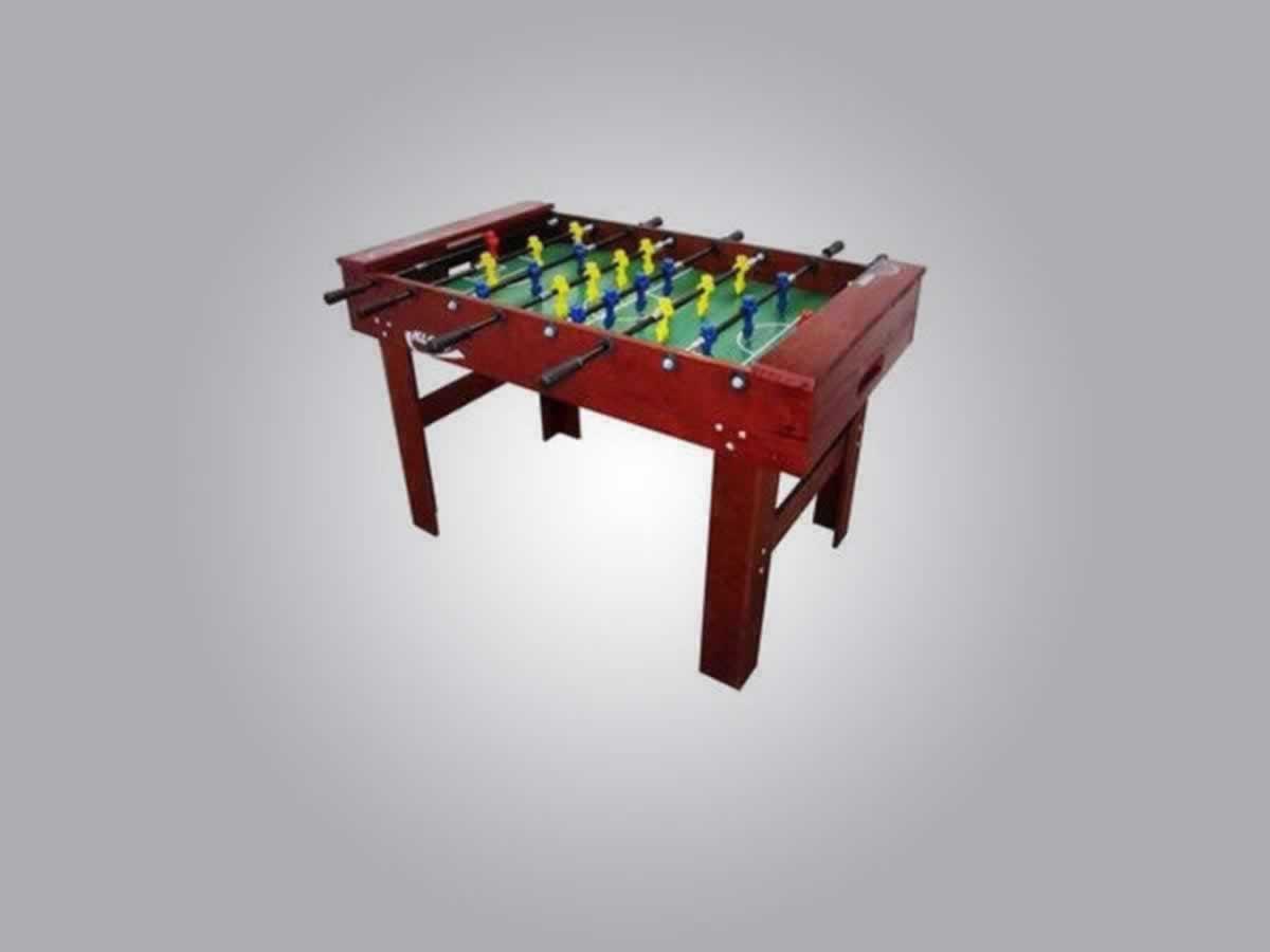 Ubá - Mesa de jogo de totó  Em madeira envernizada, tabuleiro de fundo em verde, com desen