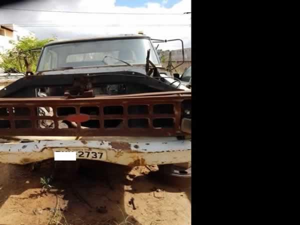 ITEM Nº: 20; Caminhão C. Aberta; Ford F 4000, ANO: 1991/1991, PLACA: 2737, CHASSI: 703, C