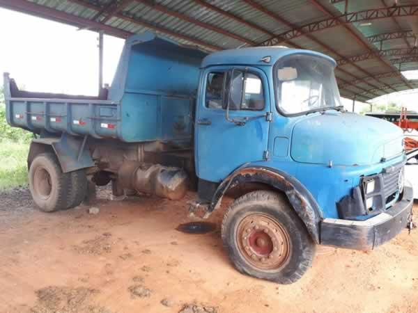 ITEM Nº: 03; Caminhão; M. Benz L1113, ANO: 1985/1985, PLACA: 4792, CHASSI: 150, COR: azul