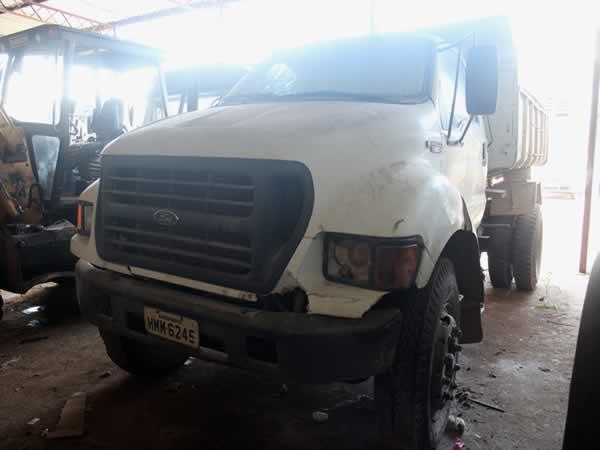ITEM Nº: 02; Caminhão; Ford/F14000 160, ANO: 2001/2001, PLACA: 6245, CHASSI: 627, COR: BR