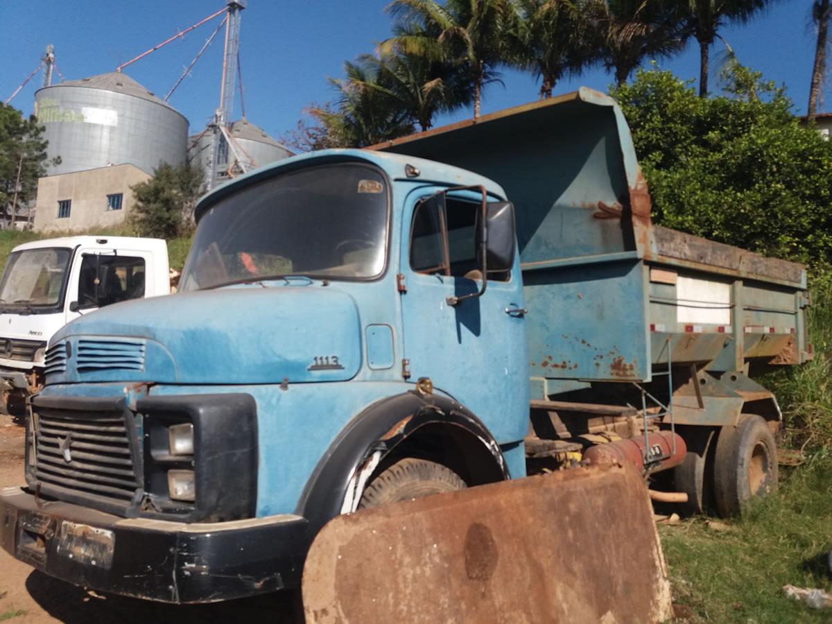ITEM Nº: 04; Caminhão Mec. Operac; M.B. M. Benz L 1113, ANO: 1984/1984, PLACA: ...