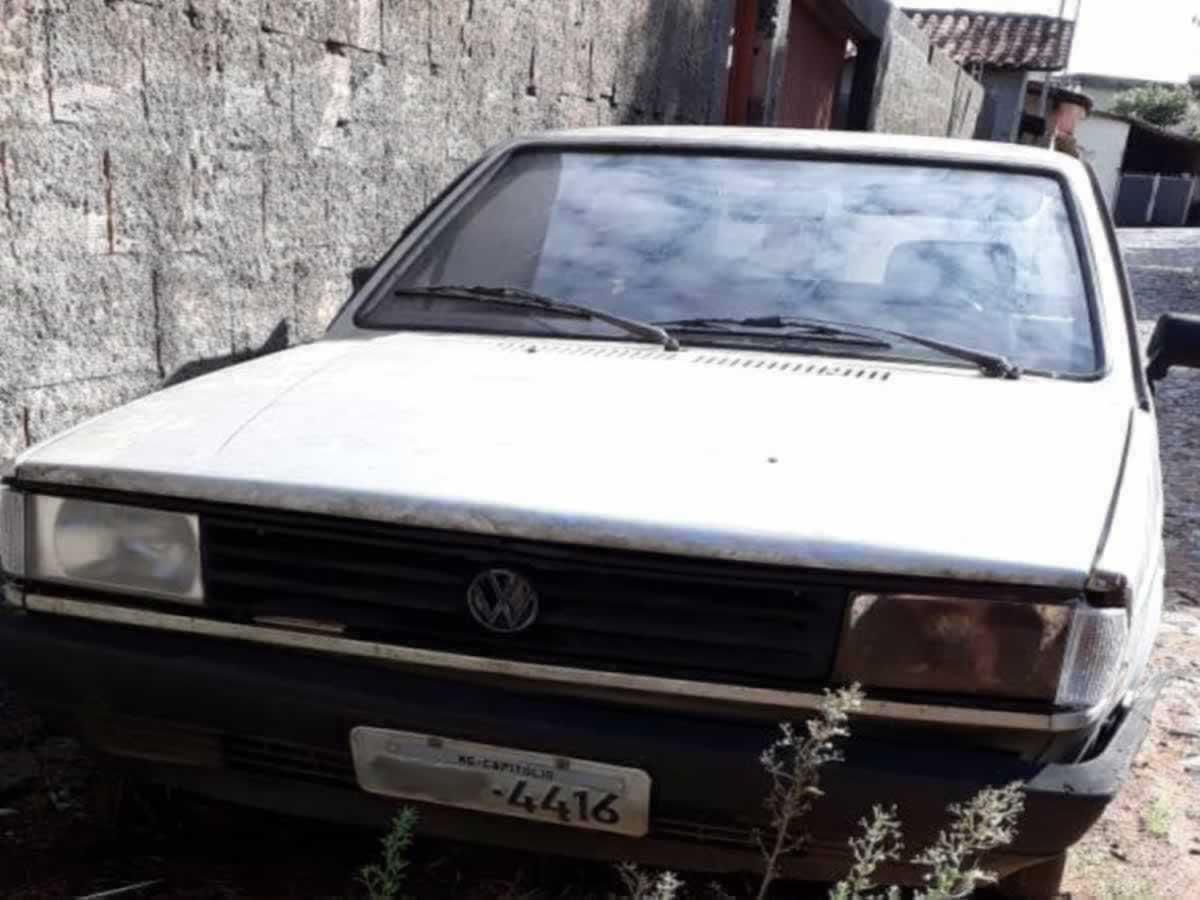 Piumhi - Parati CL VW, ANO: 1987, COR: Prata, PLACA 4416, CHASSI 672 Valor de multas: R$ 1