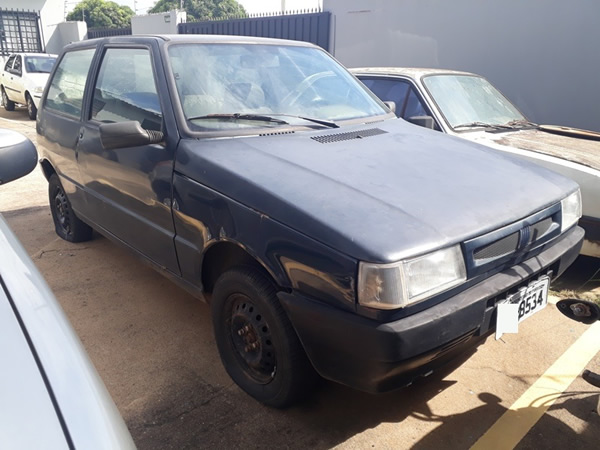 São Sebastião do Paraíso - Automóvel Uno Mille Smart FIAT, ANO: 2001/2001,  COR: Azul, PLA