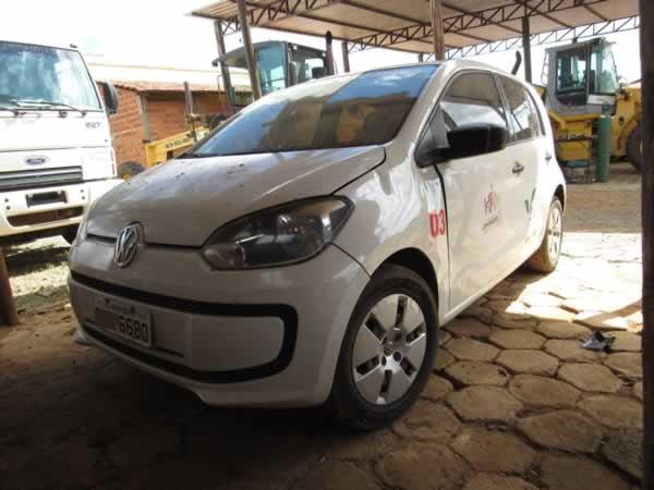 ITEM Nº: 02; Veículo; VW UP Take MA, ANO: 2014/2015, PLACA: 6680, CHASSI: 286, COR: branc