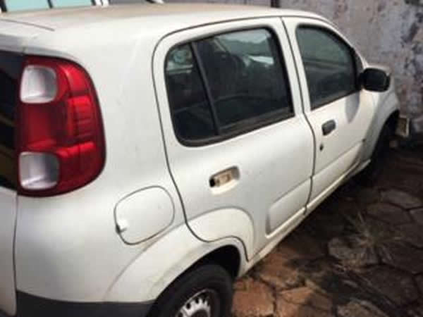ITEM Nº: 17; Veículo; Fiat Uno Vivace 1.0, ANO: 2010/2011, PLACA: 0508, CHASSI: 424, COR: ...