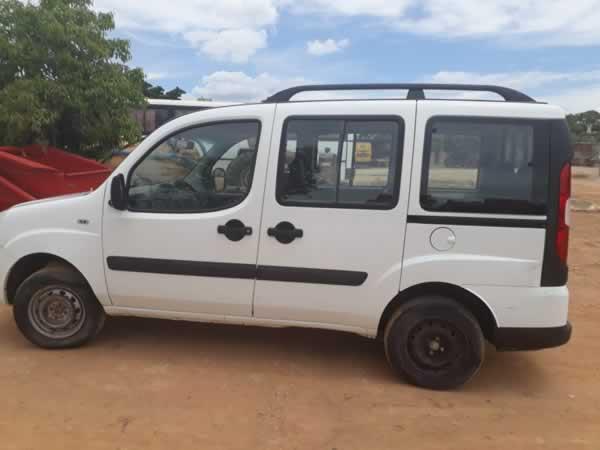 ITEM Nº: 01; Veículo; Fiat Doblô Attractiv 1.4, ANO: 2013/2013, PLACA: 1836, CHASSI: 849,...