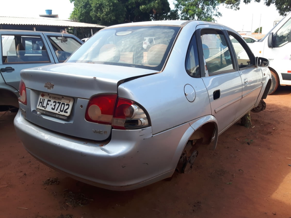 ITEM Nº: 16; Veículo; Chevrolet/Classic LS, ANO: 2010/2011, PLACA: 3702, CHASSI: 275, COR...