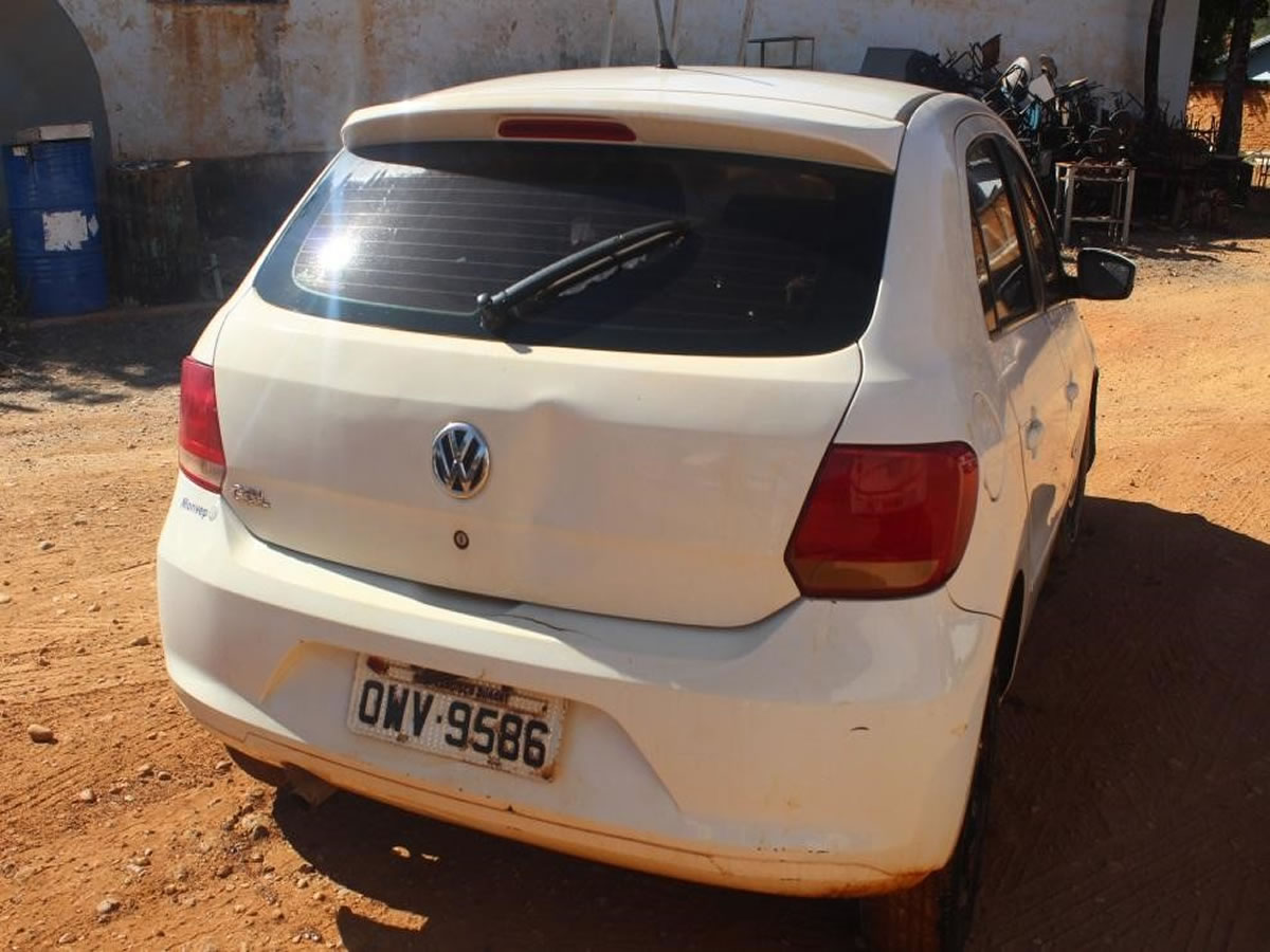 ITEM Nº: 08; Veículo; VW/Novo Gol 1.0, ANO: 2014/2014, PLACA: 9586, CHASSI: 676, COR: bra...