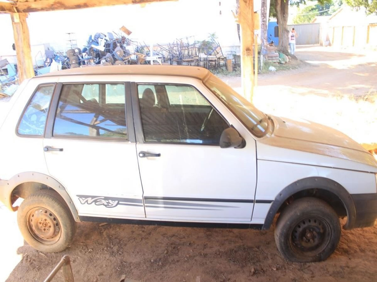 ITEM Nº: 14; Veículo; Fiat Uno Mille Way Econ, ANO: 2012/2012, PLACA: 8369, CHASSI: 474, ...