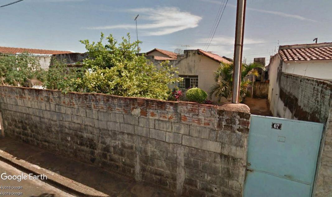 Uberaba - Casa com 02 quartos,  Rua Francisco Rosa, 67 - Conj. Habitacional Tutunas, Bairr