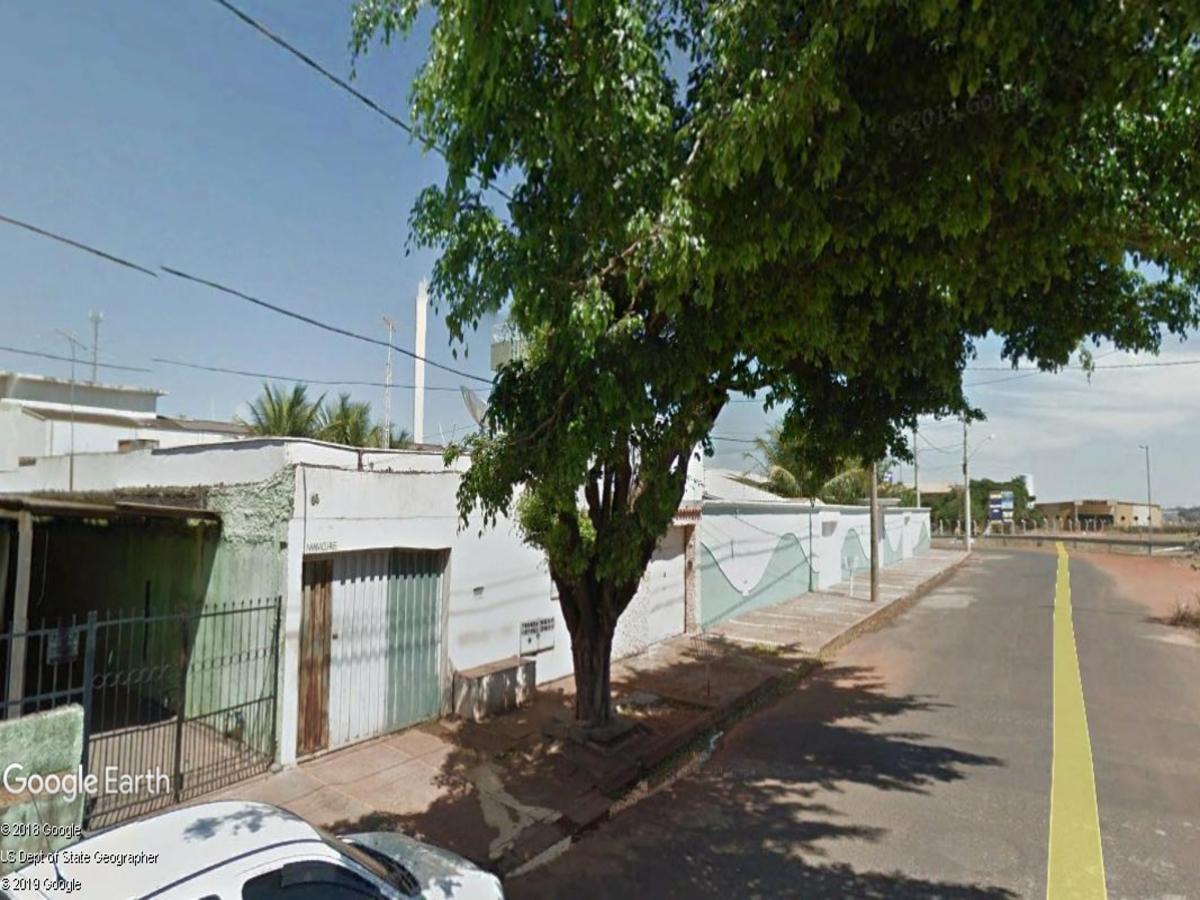 Uberaba - Casa com 02 quartos,  Rua José Carlos Rodrigues Cunha, 66, Bairro Recreio dos Ba