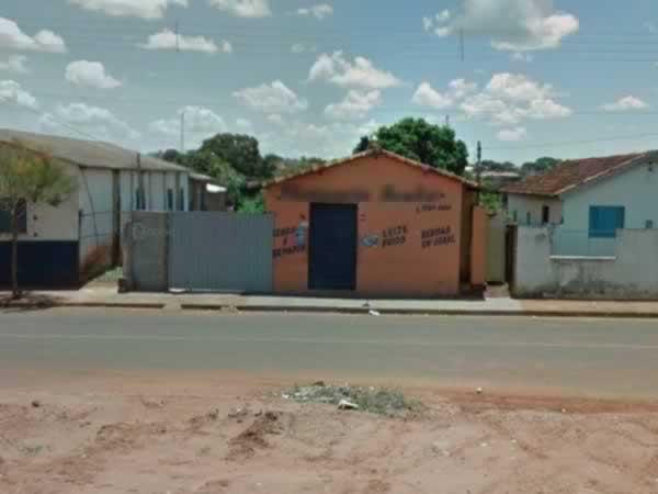Monte Alegre de Minas - Casa com 03 quartos,  Rua ...