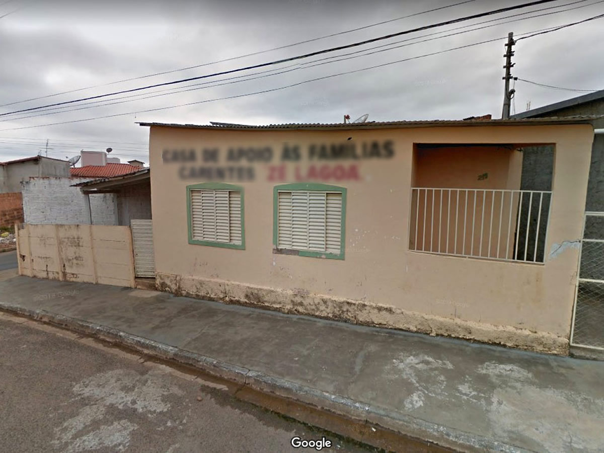 Três Pontas - Casa e galpão com área de 489,25m²,  Rua Coqueiral, 215, Ponte Alta, Três Po...
