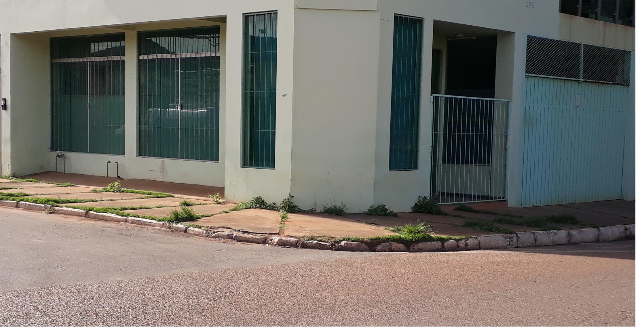 ITEM Nº: 01; Um imóvel Comercial com área de 172,025 m² em Paracatu/MG.;      O imóvel é ...