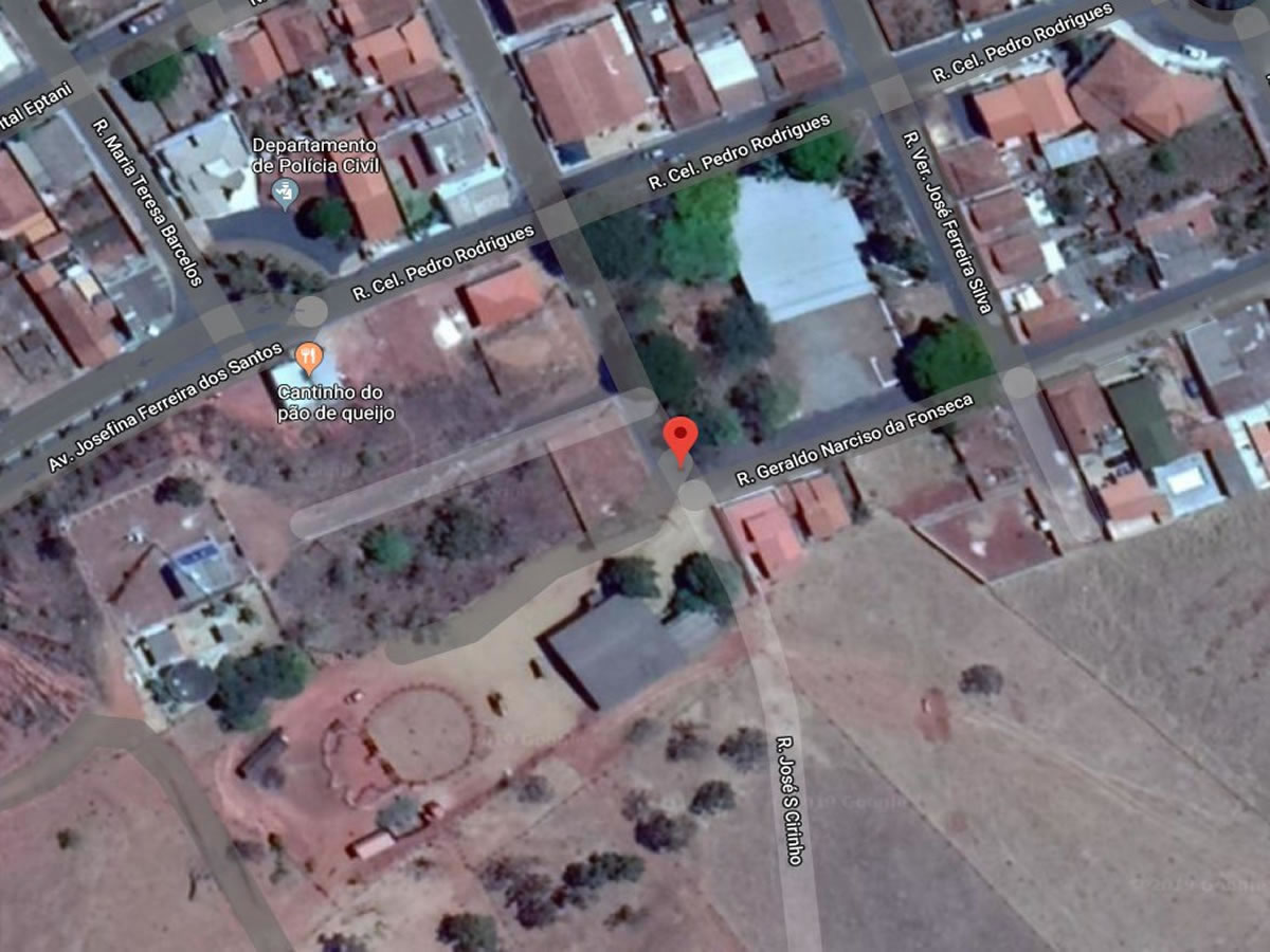 Pedrinópolis - Terreno com Casa e Galpão com 4.235,00m²,  Rua Geraldo Narciso da Fonseca e