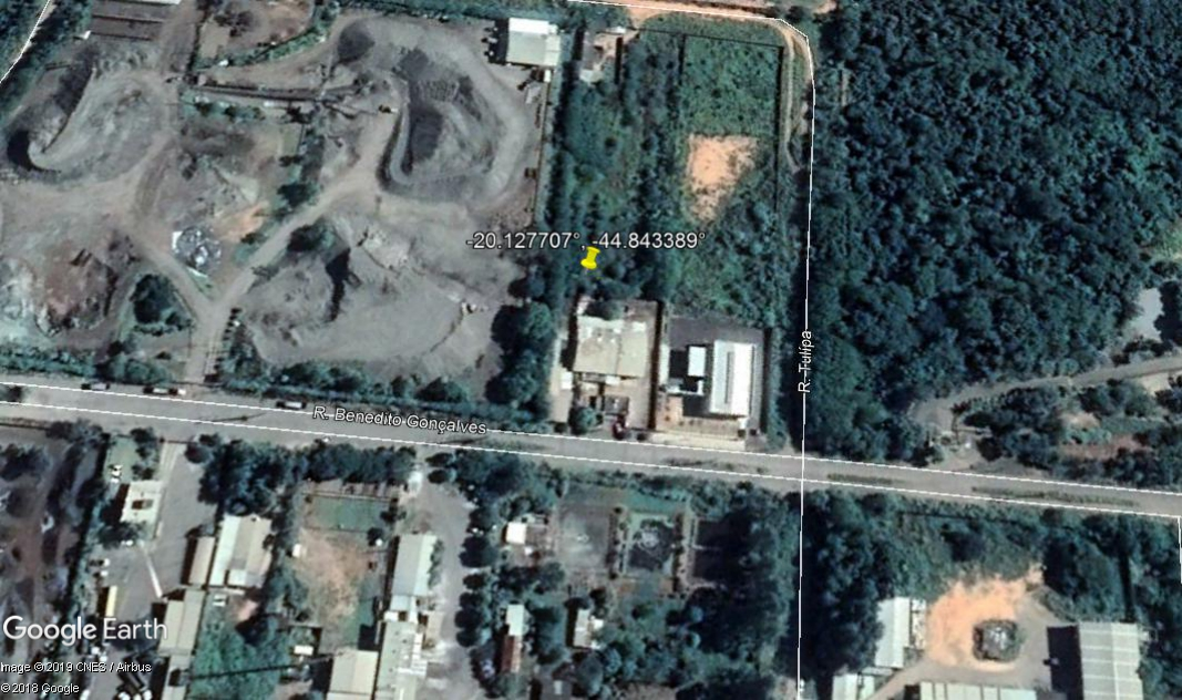 Divinópolis - Galpões com lote de 2.500,00m²,  Rua Benedito Gonçalves, 2490 e 2500, Centro