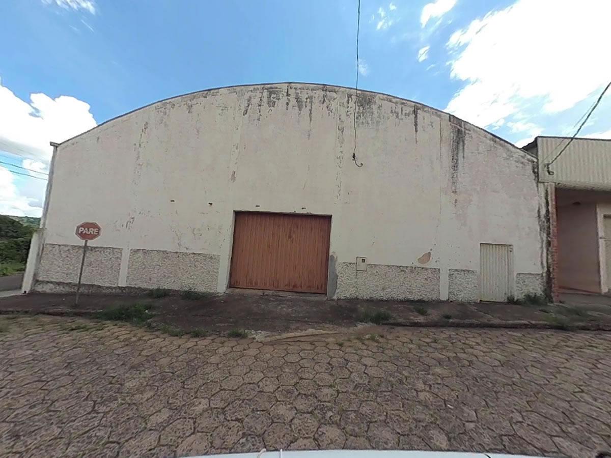 São Sebastião do Paraíso - Galpão com 720,18m²,  Rua Washington Luiz, esquina com Rua Sete