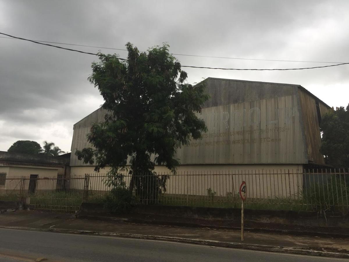 ITEM Nº: 01; GALPÃO COMERCIAL COM 460M²  EM PRUDENTE DE MORAIS/MG.;      Terreno com área