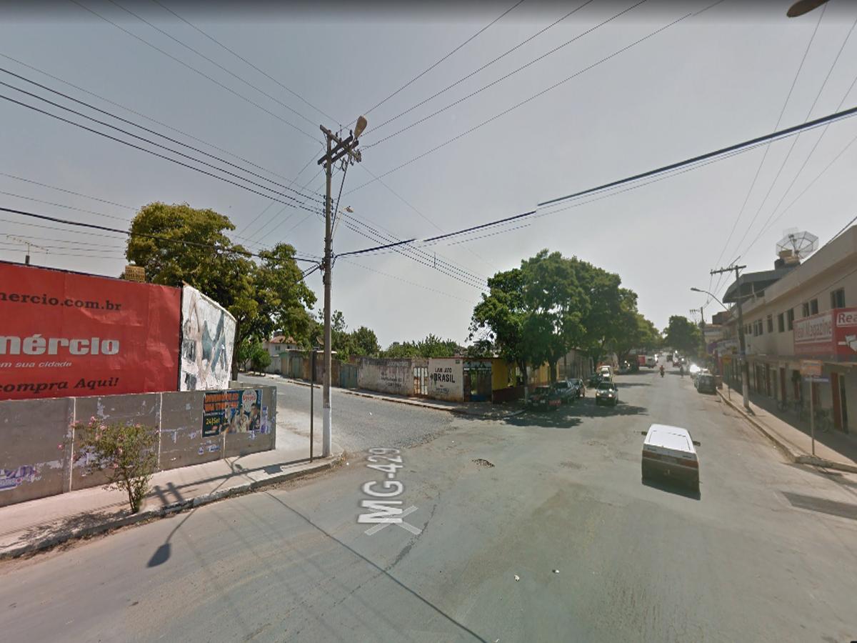 Lagoa da Prata - Lote com 402,00m², Rua Rio Grande do Norte, esquina com a Av. Brasil, s/n