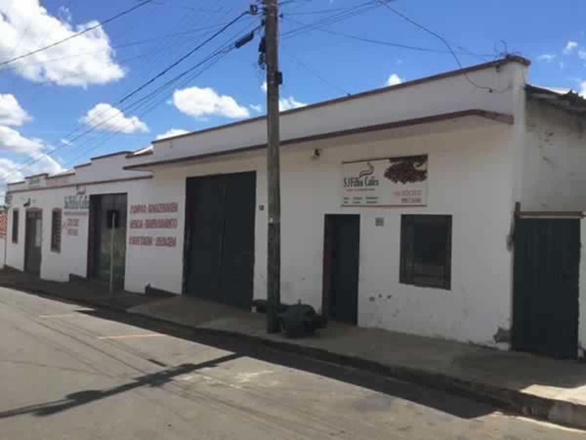 Andradas - Galpão com Casa de morada,  Rua João Fernandes Lobo, S/N, Vila Buzato, Andradas...
