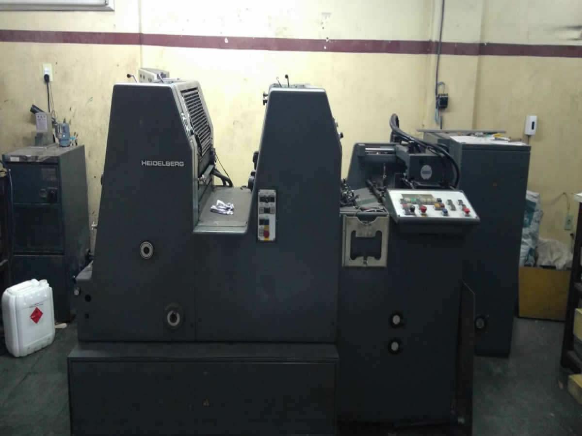 Divinópolis - Máquina de impressão offset  Completa, bicolor, plana, alimentada por folha