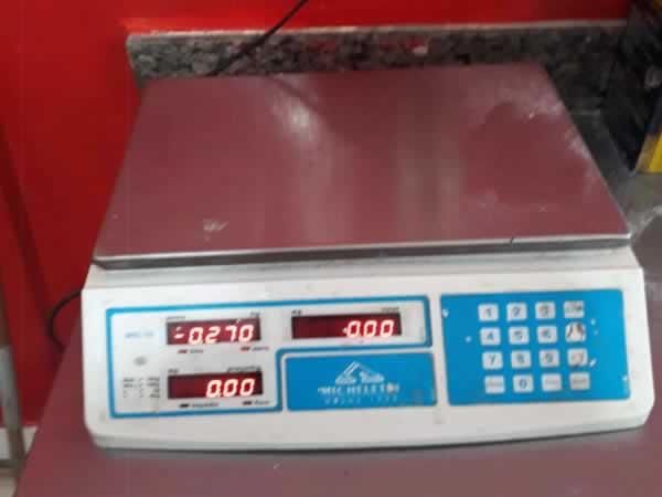 343760107ab Várzea da Palma - Balança de precisão eletrônica MICHELETTI Em bom estado de  conservação.