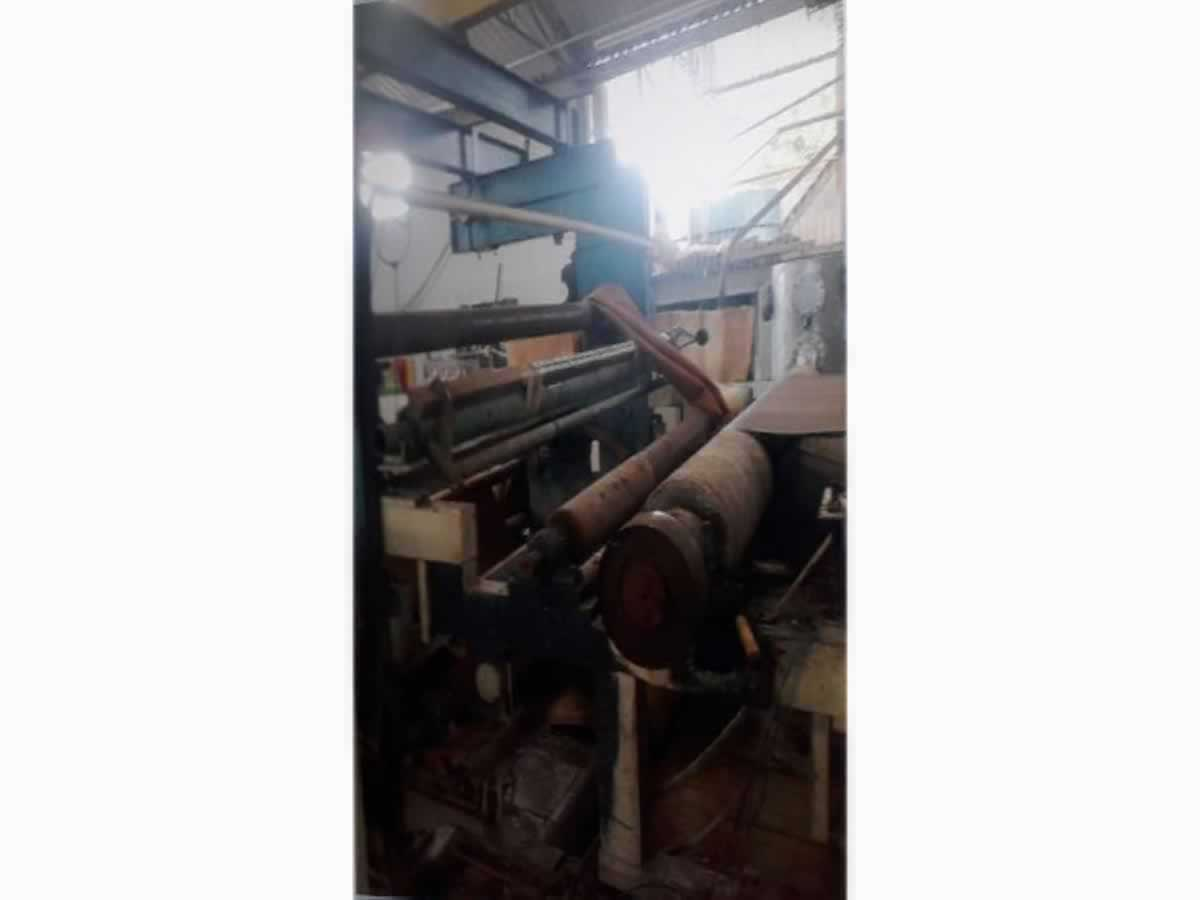 Mercês - Máquina para fabricação de papel  Semelhante a Cavallari, com capacidade de produ