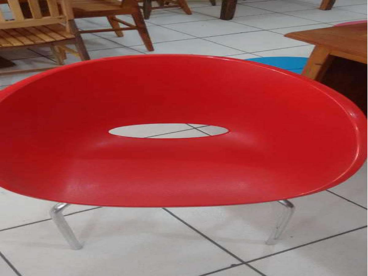 Itaúna - Cadeira Tramontina Em polipropileno, série Summa, cor vermelha.  ==> IMPORTANTE: