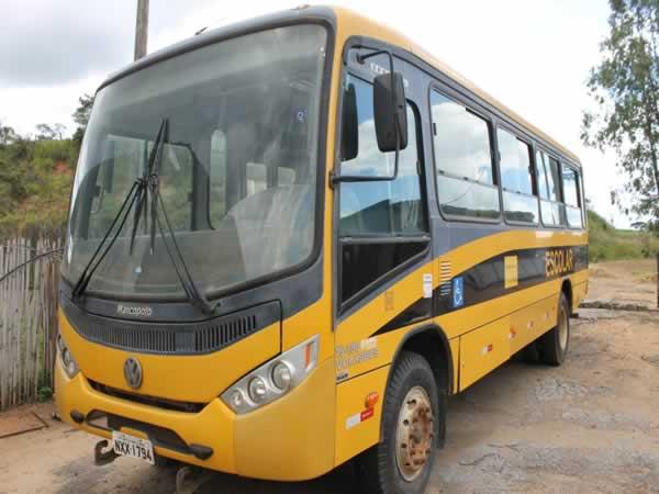 ITEM Nº: 06; Pas/Ônibus VW/15.190; , ANO: 2012/2013, PLACA: 1794, CHASSI: 180, COR: AMARE...