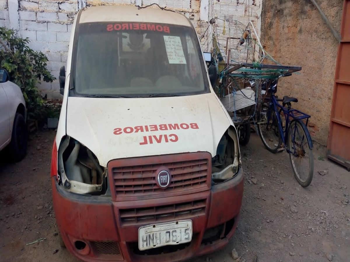 ITEM Nº: 10; Furgão; Fiat Doblo Cargo Flex, ANO: 2010/2010, PLACA: 0615, CHASSI: 823, COR