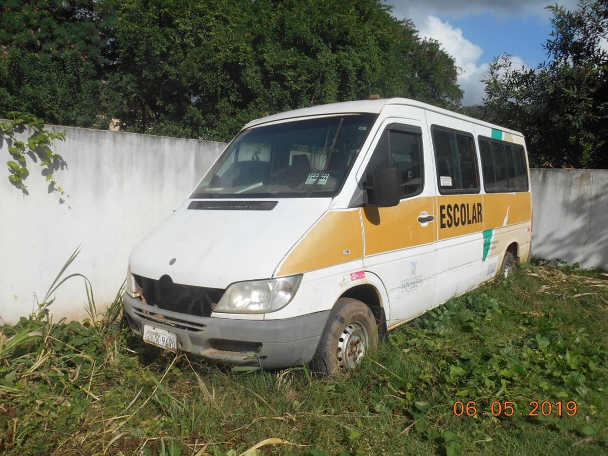ITEM Nº: 02; Veículo; I.M Benz 313 CDI Sprinterm, ANO: 2006/2006, PLACA: 9470, CHASSI: 06